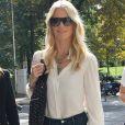 Claudia Schiffer à son arrivée pour le défilé Versace à la Triennale de Milan lors de la Fashion Week de Milan le 22 septembre 2017. Donatella Versace y a rendu un hommage puissant et inspiré à son défunt frère Gianni.