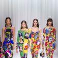 """Kaia Gerber et Vittoria Ceretti - Défilé de mode printemps-été 2018 """"Versace"""" lors de la fashion week de Milan. Le 22 septembre 2017  Women Fashion Show SS 2018 Versace catwalk Milan - Italy 22 september 201722/09/2017 - Milan"""