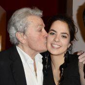 """Alain Delon hospitalisé, sa fille Anouchka en colère : """"Arrêtez de l'enterrer !"""""""