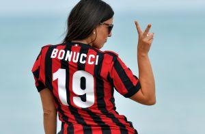 Claudia Romani : Canon en maillot et string, à la veille d'un match de foot !