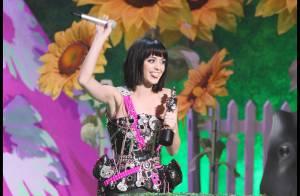 La jolie Duffy et la déjantée Katy Perry avec leurs prix... les grandes gagnantes des Brit Awards !