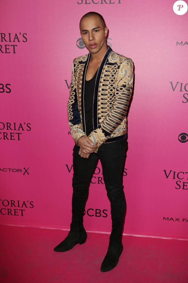Olivier Rousteing au défilé Victoria's Secret 2016 à Paris. Le 30 novembre 2016.