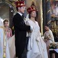 Photo du mariage à Belgrade, le 7 octobre 2017, du prince Philip de Serbie, fils du prince héritier Alexander de Serbie et de la princesse Maria da Gloria d'Orléans-Bragance, et de Danica Marinkovic. En arrière-plan, la princesse Victoria de Suède, témoin.