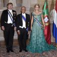 """Le roi Willem Alexander et la reine Maxima des Pays-Bas et Marcelo Rebelo de Sousa (le président de la République portuguaise) - Le roi et la reine des Pays-Bas lors d'un dîner d'état au Palais national d'Ajuda lors de leur visite officielle à Lisbonne, le 10 octobre 2017.  Dutch royals at a state dinner at Palacio da Ajuda, Lisbon, Portugal - 10 Oct 201710/10/2017 - Lisbonne"""