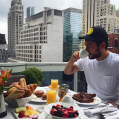 Iris Mittenaere et Kev Adams : Le duo réunit à New York pour un moment intime