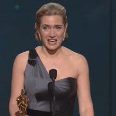 Kate Winslet lors de son discours de remerciement aux Oscars en 2009.