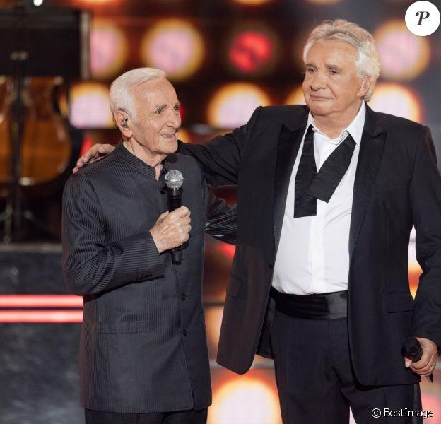 """Exclusif - Charles Aznavour et Michel Sardou - Enregistrement de l'émission """"Dernier Show"""" de Michel Sardou, qui sera diffusée le 21 octobre en prime time sur France 2, depuis le Palais des Sports à Paris, le 12 septembre 2017.  © Pierre Perusseau / Bestimage"""
