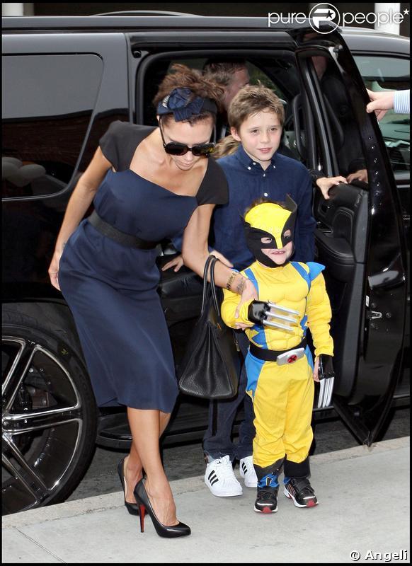 Victoria, Roméo et Cruz fêtent les 4 ans de ce dernier, déguisé en Wolverine ! 21/02/09