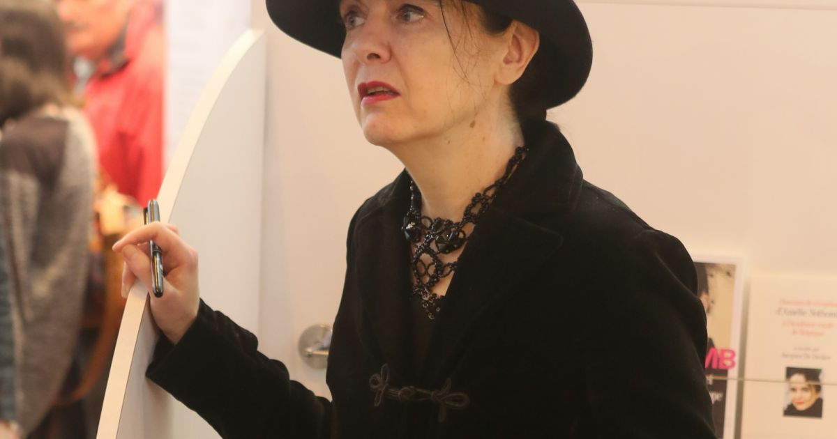 Am lie nothomb au 37e salon du livre la porte de for Salon paris mars 2017