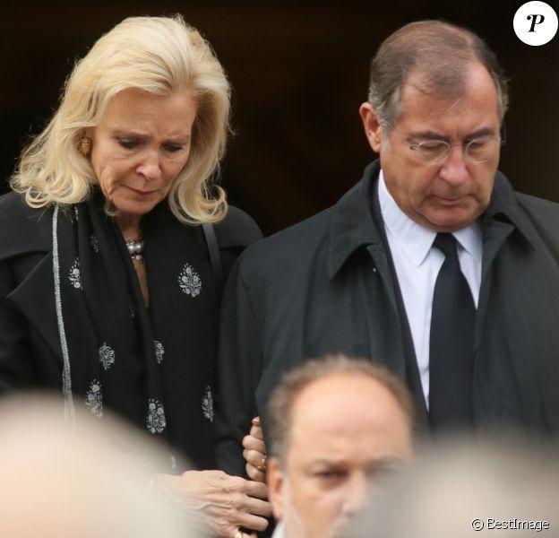 Semi Exclusif - Martin Bouygues et sa femme Melissa lors de la cérémonie religieuse pour les obsèques de Monique Bouygues en l'église Saint François-Xavier à Paris le 23 octobre 2017.