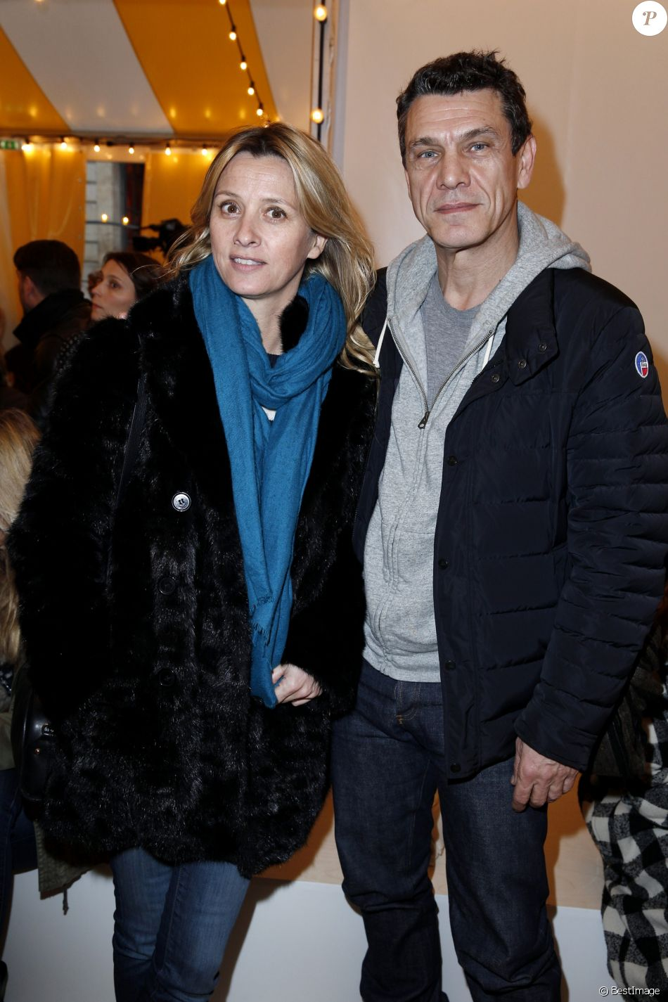 marc lavoine et sa femme sarah people au d fil bonpoint pendant la fashion week de paris le. Black Bedroom Furniture Sets. Home Design Ideas