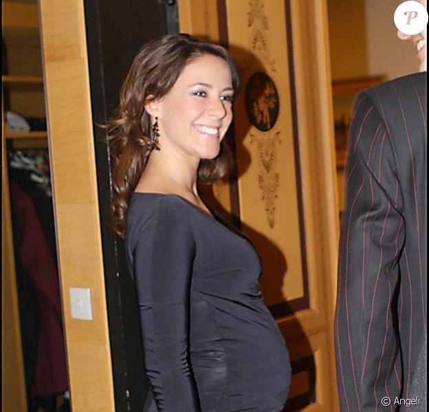 Marie Cavallier en est à son sixième mois de grossesse, mais ne refuse pas un bon dîner...