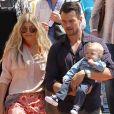 Josh Duhamel et Fergie emmènent leur fils Axl à l'église pour Pâques à Brentwood, le 20 avril 2014.