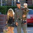 Exclusif - Josh Duhamel et Fergie arrivent à la fête d'anniversaire de leur fils Axl (2 ans) à Brentwood Los Angeles, le 29 Août 2015.