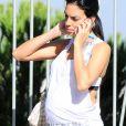 Exclusif - Georgina Rodriguez enceinte (compagne de Cristiano Ronaldo) se promène dans les rues de Madrid le 15 octobre 2017.