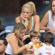 Shakira (compagne Gerard Piqué), ses fils Sasha et Milan et Montserrat Bernabeu (mère de Gerard Piqué) lors des 8ème de finale de l'UEFA Euro 2016 Italie-Espagne au Stade de France, le 27 juin 2016. © Cyril Moreau/Bestimage