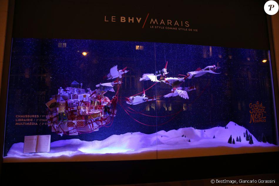vitrine du bhv marais lors de l 39 inauguration de god jul joyeux no l danois le 15 novembre. Black Bedroom Furniture Sets. Home Design Ideas
