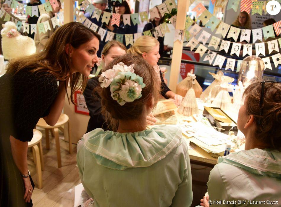 sar la princesse marie de danemark dans la petite maison du danemark lors du lancement du no l. Black Bedroom Furniture Sets. Home Design Ideas