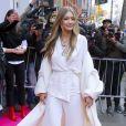 """Gigi Hadid arrive au magasin """"Stuart Weitzman"""" dans le quartier de Soho à New York, le 15 novembre 2017."""