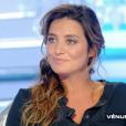 """""""Laetitia Milot évoque la mort de son ex-compagnon Yannis dans """"Salut les Terriens !"""" sur C8. le 18 novembre 2017."""""""