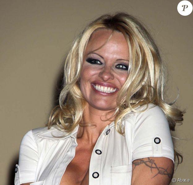 Pamela Anderson et ses deux cerveaux