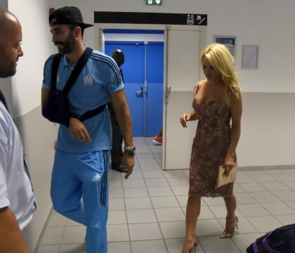 """Pamela Anderson en couple avec Adil Rami, """"attentionné et jaloux"""""""