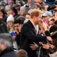 Le prince Harry et Meghan Markle (en manteau Mackage) à Nottingham le 1er décembre 2017, leur premier engagement officiel en couple après l'annonce de leurs fiançailles. Au programme, une visite de la journée contre le sida du Terrence Higgins Trust et de la Nottingham Academy qui aide des jeunes de 3 à 19 ans.
