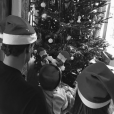 Antoine Griezmann fête Noël en famille avec sa compagne Erika et leur fille Mia. Photo postée sur Instagram le 25 décembre 2016.