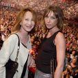 Exclusif - Nathalie Baye et sa fille Laura Smet au concert de Johnny Hallyday au POPB de Bercy a Paris - Jour 2. Le 15 juin 2013