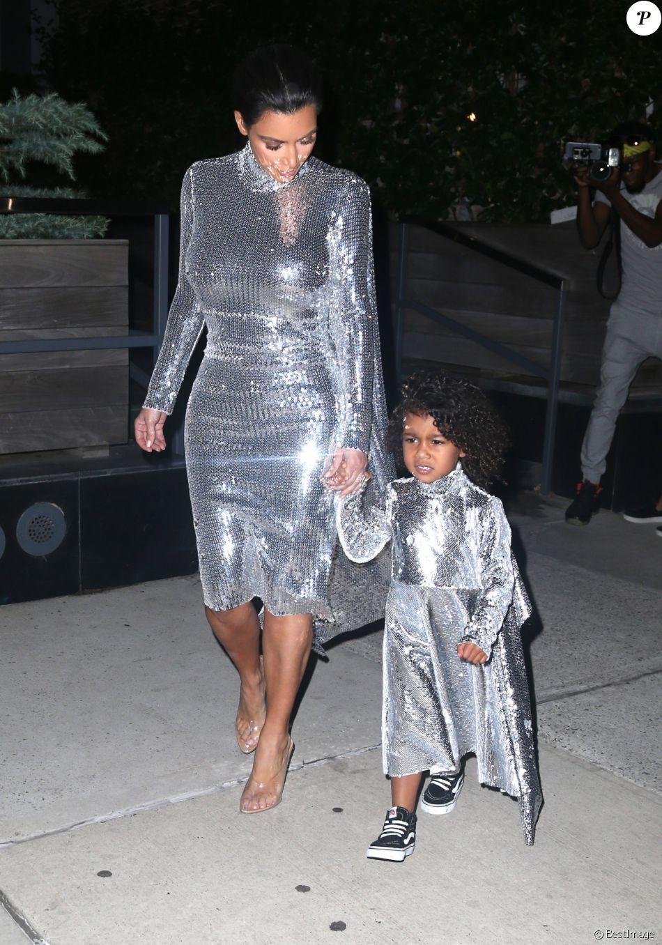 Kim Kardashian et sa fille North West à New York, le 5 septembre 2016.