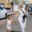 Kim Kardashian et ses enfants North et Saint West à Los Angeles, le 21 septembre 2017.