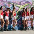 Exclusif - Julia Sidi-Atman (Miss Cote-d'Azur 2017), Kleofina Pnishi (Miss Provence 2017), Ophélie Forgit (Miss Poitou-Charentes 2017), Anaïs Dufillo (Miss Midi-Pyrénées 2017), Lison Di Martino (Miss Ile-de-France 2017), Dalida Benaoudia (Miss Rhône-Alpes 2017) et Anaïs Berthomier (Miss Limousin 2017) - Les 30 prétendantes au titre de Miss France 2018 font du roller et du vélo dans le quartier de Venice à Los Angeles, Californie, Etats-Unis, le 28 novembre 2017.