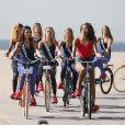 Exclusif - Mélanie Soares (Miss Bourgogne 2017), Alizée Rieu (Miss Languedoc-Roussillon 2017), Cloé Cirelli (Miss Lorraine 2017) et Alicia Ayles (Miss France 2017) - Les 30 prétendantes au titre de Miss France 2018 font du roller et du vélo dans le quartier de Venice à Los Angeles, Californie, Etats-Unis, le 28 novembre 2017.