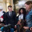 Le président Emmanuel Macron lors de l'arbre de Noël de l'Elysée à Paris le 13 décembre 2017. © Eliot Blondet / Pool / Bestimage