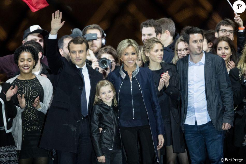 Emmanuel Macron Avec Sa Femme Brigitte Macron Trogneux Emma Fille De L Auziere Tiphaine Auziere Et Son Compagnon Antoine Le President Elu Emmanuel Mac Purepeople