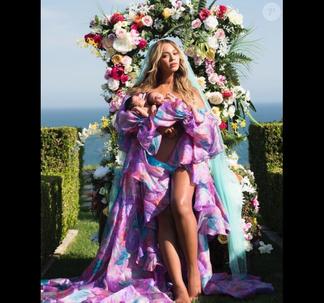 Beyoncé avec ses jumeaux, Rumi et Sir.