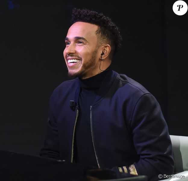 """Lewis Hamilton - Personnalités sur le plateau de l'émission de télévision """"Che Tempo Che Fa"""" à Milan, le 17 décembre 2017."""
