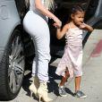 Kim Kardashian et sa fille North West - La famille Kardashian faire du patin à glace au Iceland Ice Skating Center à Los Angeles, le 21 septembre 20177