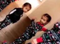 North et Saint West : Adorables en pyjamas assortis pour la chasse aux cadeaux