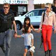 Johnny et Laeticia Hallyday font du shopping avec leurs filles Jade et Joy à Pacific Palisades le 27 Septembre 2012.