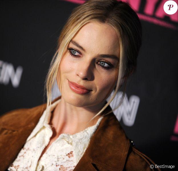 """Margot Robbie lors de la première du film """"Moi, Tonya"""" à New York le 28 novembre 2017."""