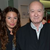 Elsa Wolinski, toute nue, publie un bel hommage à son père Georges