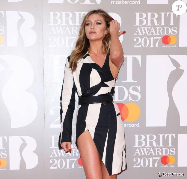 """Abbey Clancy - Photocall des """"Brit Awards 2017"""" à Londres. Le 22 février 2017."""