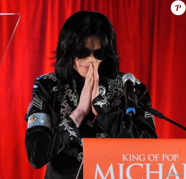 Michael Jackson annonçant son retour sur scène à Londres le 5 mars 2009
