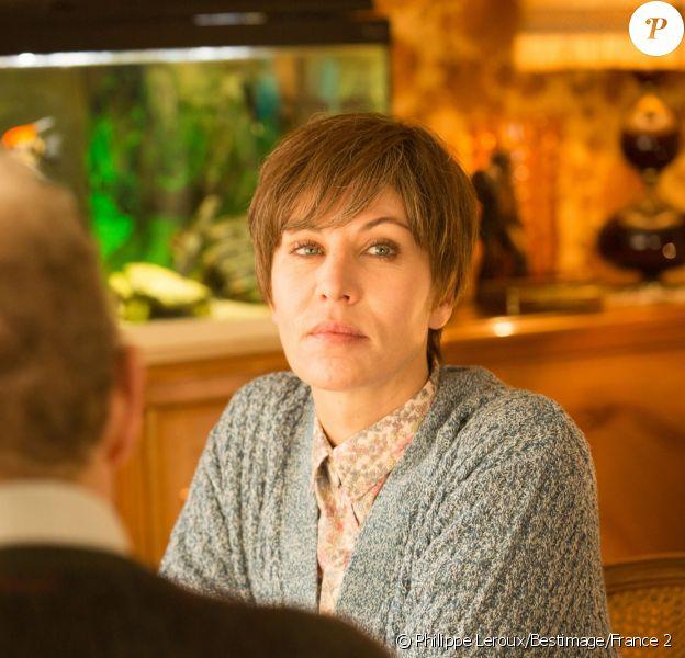 Mathilde Seigner dans Je voulais juste rentrer chez moi qui sera diffusé sur France 2 le 24 janvier 2018.