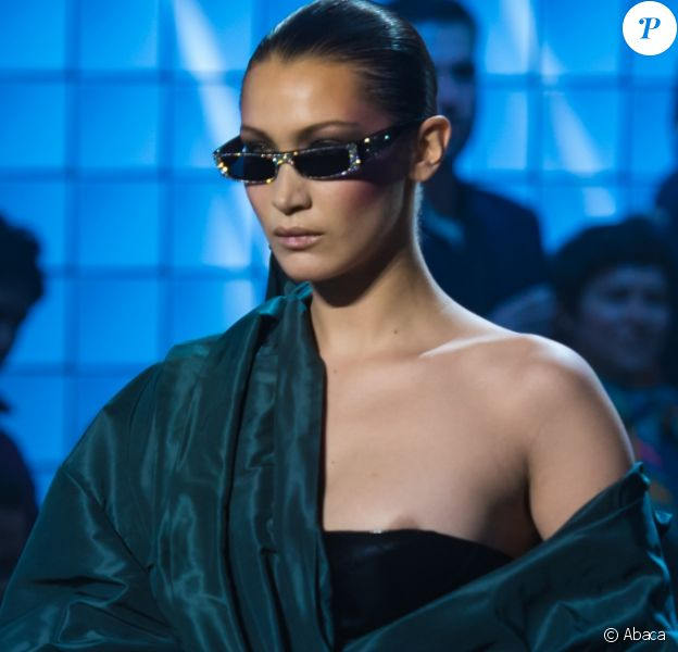 Bella Hadid walks on the runway during the Alexandre Vauthier Haute Couture Fashion Show during Paris Fashion Week Spring Summer 2018 held in Paris, France on January 23, 2018. Photo by Alban Wyters/ABACAPRESS.COM23/01/2018 - Paris