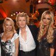 """Pamela Anderson et le magicien Hans Klok, Rosanna Davison - Soirée """"Lambertz Monday Night 2018"""" à Cologne en Allemagne le 29 janvier 2018."""
