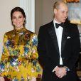 La duchesse Catherine de Cambridge, enceinte et en robe Erdem, le prince William, la princesse héritière Victoria de Suède et le prince Daniel lors d'un dîner à l'ambassade de Grande-Bretagne à Stockholm, le 30 janvier 2018.