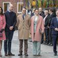La duchesse Catherine de Cambridge, enceinte, le prince William, la princesse héritière Victoria de Suède et le prince Daniel en visite à l'Institut Karolinska le 31 janvier 2018 à Stockholm.
