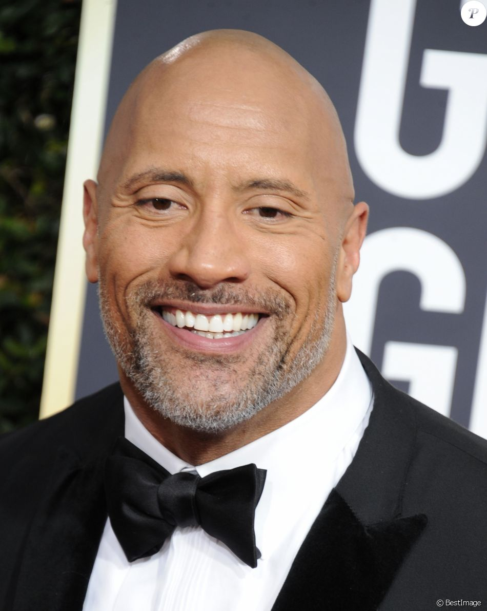 dwayne johnson the rock sur le tapis rouge de la 75 me c r monie des golden globe awards au. Black Bedroom Furniture Sets. Home Design Ideas